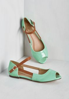 Show 'Em Who's Gloss Flat in Mint. Every time you flaunt these glossy flats, you assert your claim to stylish fame! #mint #modcloth