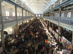 15 Best Flea Markets in New Jersey - The Crazy Tourist Antique Fairs, Most Haunted, New Market, Beach Fun, Fleas, New Jersey, Places To Visit, Flea Markets, America