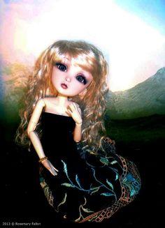 Laura - Custom 1/6 BJD / Doll Box - Wonderland Bjd Dolls, Beautiful Dolls, Wonderland, Game Of Thrones Characters, Box, Cute Dolls, Snare Drum, Boxes