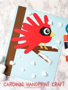 11 Adorable Christmas Handprint Art Projects For Kids Wine Bottle Crafts, Jar Crafts, Kids Crafts, Winter Crafts For Kids, Art For Kids, Projects For Kids, Art Projects, Winter Szenen, Winter Kids