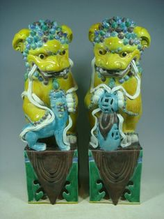 Beautiful Chinese Three Colour Porcelain A Pair Lions | eBay