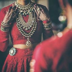 The Indian bride defies all stereotypes and her style and personality isn't limited to the coy and conservative anymore. In fact the Indian bride is the perfect Bijoux Design, Schmuck Design, Jewelry Design, Indian Fashion Trends, Asian Fashion, Desi Wedding, Saree Wedding, Wedding Blog, Wedding Gowns