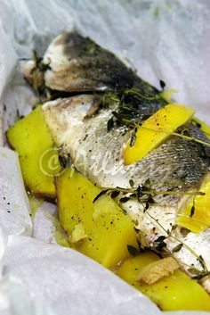 Terapia do Tacho: Robalo em papelote com batata doce e gengibre (Seabass in papillote with ginger and sweet potato)