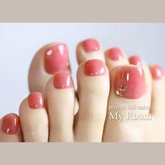 Transparent Autumn Toe Nail Colors Ideas for Fall Wedding Bride Fall Toe Nails, Pretty Toe Nails, Cute Toe Nails, Pretty Toes, Color Club Nail Polish, Toe Nail Color, Toe Nail Art, Nail Colors, Wedding Toe Nails