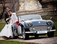 A Triumph wedding! #bookaclassic #classiccar #carvintage #moviecar #vintagecar #bridebook #marriage #wedding #weddingcar  #weddinginspiration #weddingphotography