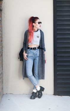 Choker + alien ringer tee + jeans + grey cardigan + lace up shoes Edgy Outfits, Grunge Outfits, Fashion Outfits, Hipster Outfits, Grunge Fashion Soft, Punk Fashion, Hipster Fashion, Estilo Grunge, Luanna