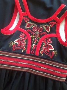 (1) FINN – Øst-Telemarksbunad - stakk m/veske. Folk Costume, Costumes, Traditional Outfits, Vintage Photos, Norway, Bridal Dresses, Scandinavian, Bra, Clothes