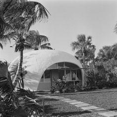 mpdrolet:  Bubble House at Hobe Sound (1954, arch. Eliot Noyes)