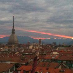 Tramonto sui tetti di Torino