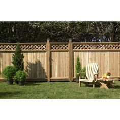 Shop Western Red Cedar Lattice-Top Wood Fence Privacy Panel (Common: 6-ft x 8-ft; Actual: 5.7-ft x 8-ft) at Lowes.com