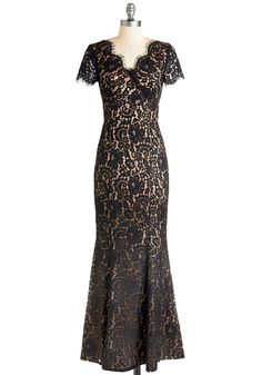 Descend to Your Darling Dress. At the bottom of the sweeping staircase, your sweetie awaits, looking simply dazzled by the vision of you glowing in this lace maxi dress! Black Lace Bridesmaid Dress, Black Wedding Dresses, Prom Dresses, Lace Maxi, Lace Dress, Formal Dresses, Dress Outfits, Fashion Dresses, Retro Vintage Dresses