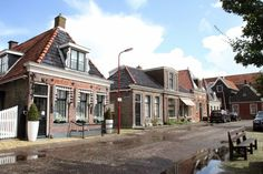 Häuser in Makkum, am Ijsselmeer #Makkum #Ijsselmeer #Netherlands