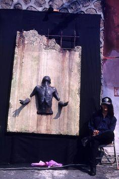1994 Street Art Festival- Hongik University #김영성#YoungsungKim#극사실#Hyperrealism#realistic#painting#drawing#artist#artwork#개구리#달팽이#물고기#곤충#동물#환경#environment#frog#snail#fish#insect#animal#glass#spoon#jar#gear#sculpture