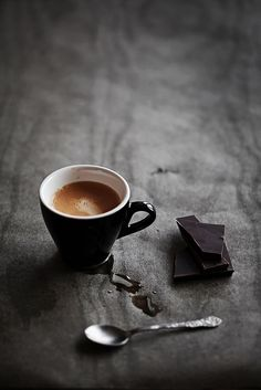 espresso and dark chocolate; Most ideally: dark Ecuador chocolate variety with Ethiopian coffee no sugar no milk I Love Coffee, Coffee Art, Coffee Break, My Coffee, Coffee Drinks, Morning Coffee, Coffee Shop, Coffee Cups, Black Coffee