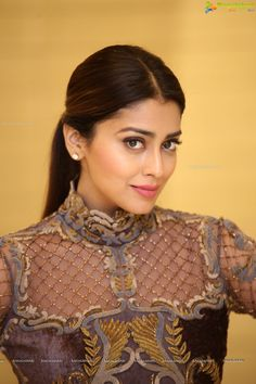 Check out latest beautiful pictures of South Indian Film Actress Shriya Saran in Designer Dress South Indian Actress Photo, South Indian Film, South Actress, Beautiful Bollywood Actress, Most Beautiful Indian Actress, Beautiful Actresses, Shreya Saran Hot, Bollywood Designer Sarees, Cute Beauty