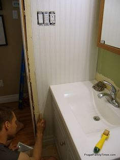 How to use and install paintable beadboard wallpaper. A step-by-step tutorial. A cheap and easy way to get the classic beadboard. This is a bathroom, but the look could work in a bedroom or living area. Great before and after of this affordable makeover!
