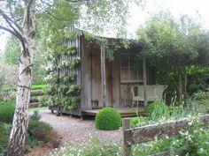 Garden shed with espalier