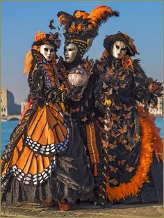 Carnaval de Venise les masques et costumes ✏✏✏✏✏✏✏✏✏✏✏✏✏✏✏✏ FrenchVintageJEWELRY  ☞ https://www.etsy.com/shop/frenchjewelryvintage?ref=l2-shopheader-name  ══════════════════════  GABY-FÉERIE Bijoux ☞ http://www.alittlemarket.com/boutique/gaby_feerie-132444.html  ✏✏✏✏✏✏✏✏✏✏✏✏✏✏✏✏