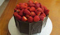 Strawberry surprise birthday cake - Kidspot
