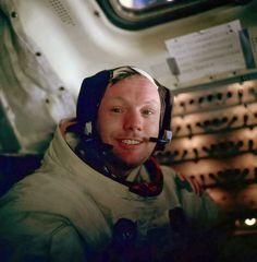 18 imagens que vão te deixar sem palavras  Neil Armstrong depois de caminhar na Lua.