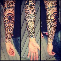 Cliente ja tinha a parte de cima. Fiz todo antebraço. #maoritattoo #maori #polynesian #tatuagemmaori #tattoomaori #polynesiantattoos #polynesiantattoo #polynesia #tattoo #tatuagem #tattoos #blackart #blackwork #polynesiantattoos #marquesantattoo #tribal #guteixeiratattoo #goodlucktattoo #tribaltattooers #tattoo2me #inspirationtatto #tguest #blxckink #tiki #tikitattoo