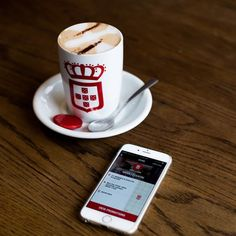 Vida has implemented a new payement option called Mobile payment where customers can proceed the payment on their phone and in return earn loyalty points! Coffee Love, Best Coffee, Best Espresso, Spoil Yourself, Pick Me Up, Coffee Roasting, Coffee Drinks, Mobile App, Latte