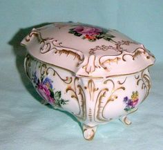 Offered for your consideration today is a vintage, exquisite JIMENAU Germany footed casket, covered trinket box. Very ornate & elegant. Casket, Trinket Boxes, Tart, Germany, Antiques, Floral, Vintage, Jewel Box, Musicals