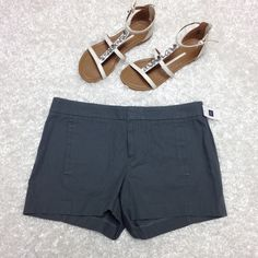 HP 4/16 NWT GAP grey Bermudas shorts 4 New with tags ✨ very soft, no flaws, no trades GAP Shorts Bermudas
