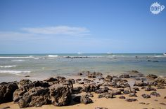 Praias da Pipa. Essa é a Praia do Centro já por volta das 16h com a maré alta. Saiba mais sobre as praias da Pipa em http://deixadefrescura.com/2013/03/natal-rn-viagem-praia-pipa.html