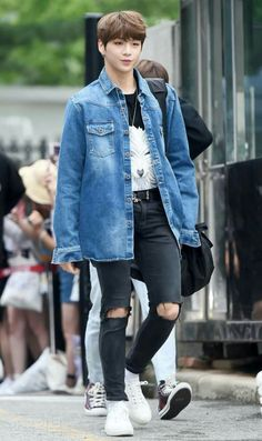 Daniel wanna one Kpop Fashion, Asian Fashion, Mens Fashion, Daniel 3, Prince Daniel, Everything Is Fine, Kim Jaehwan, Ha Sungwoon, Ong Seongwoo