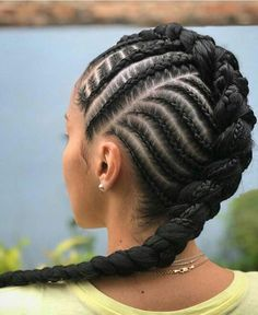 The number styles you can create with cornrows are limitless! Read on our cornrows guide with conrow hairstyles inspiration and different looks you can create. Haircut For Thick Hair, Braids For Short Hair, Braids For Kids, Girls Braids, 2 Braids, Braided Mohawk Black Hair, Braids Ideas, Braided Updo, Old Hairstyles