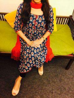 Different types of kurtis designs - Easy Craft Ideas Salwar Pattern, Kurti Patterns, Dress Patterns, Salwar Neck Designs, Kurta Designs Women, Blouse Designs, Indian Attire, Indian Wear, Indian Dresses