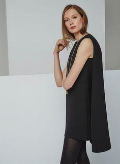 Vestido-capa negro