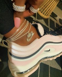 These anklets and rings are so freakin cute 😍✨💕. Shop for all your cute jewelry essentials ✨💕💎 Sneakers Mode, Sneakers Fashion, Fashion Shoes, Leather Fashion, Fashion Jewelry, Sneaker Outfits, Sneaker Heels, Souliers Nike, Nike Air Shoes