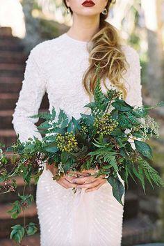 36 Green Wedding Florals To Add Naturalness To Your Wedding ❤ See more: http://www.weddingforward.com/green-wedding-florals/?utm_content=buffereb5d3&utm_medium=social&utm_source=pinterest.com&utm_campaign=buffer #wedding Find your floral inspo at www.pinterest.com/laurenweds/wedding-flowers?utm_content=buffera4be3&utm_medium=social&utm_source=pinterest.com&utm_campaign=buffer