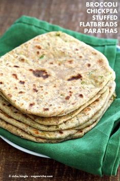 Shredded broccoli, mashed chickpeas and spices stuffed in a paratha flatbread Vegan Indian Recipes, Vegetarian Recipes, Vegan Meals, Naan, Gluten Free Flatbread, Vegan Lentil Soup, Paratha Recipes, How To Cook Beans, Evening Snacks