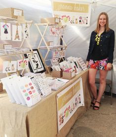 I need some letter holders or something like that shape to display my handmade cards at craft fairs and pop-up markets. Craft Stall Display, Craft Booth Displays, Display Ideas, Display Pictures, Booth Ideas, Vendor Displays, Vendor Booth, Market Displays, Pop Up Shop