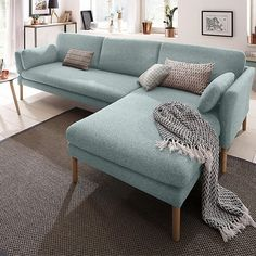 Considered the star of a room, the sofa is the piece that cannot be missing in any home. It is the highlight element, mainly for its characteristics of comfort, Living Room Sofa Design, Home Room Design, Interior Design Living Room, Living Room Designs, Living Room Decor, Helsingborg, Corner Sofa, House Rooms, Sofa Set