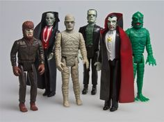 Tonight's Throwback Thursday is a quick one, but a fun little ghost of Christmas past -- Remco's Universal Monsters action figures in 1980.  I received Dracula, Wolfman and the Phantom of the Opera...