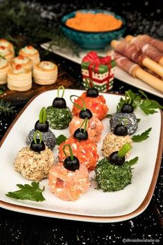 Snacks Für Party, Appetizers For Party, Adult Christmas Party, Appetizer Salads, Xmas Food, Food Festival, Queso, Food Art, Good Food