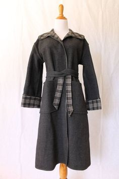 VINTAGE Pendleton Reversible Gray Plaid Wool with Leather Trim Blanket Coat Sz 8 #Pendleton