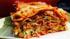 Les lasagnes de Marc Maulà et de Marina Orsini Marina Orsini, Pinterest Instagram, Lasagna, Spaghetti, Healthy Eating, Pasta, Cooking, Ethnic Recipes, Food