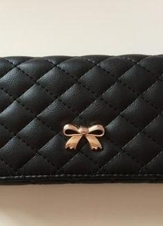Kup mój przedmiot na #vintedpl http://www.vinted.pl/akcesoria/inne-akcesoria/10280671-duzy-portfel-czarny-zlota-kokardka-pikowany