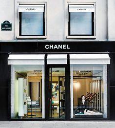 Store front in Paris