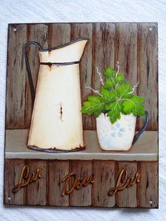 Placa decorativa pintada a mão. Pintura artística imitando madeira em ripas.