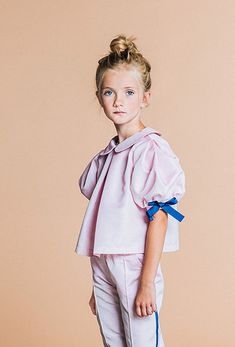 Tafetta pink blouse with side bows, made in Latvia by Paade Mode. Young Fashion, Fashion Kids, Girl Fashion, Kids Fashion Photography, Children Photography, Luxury Kids Clothes, Kids Clothing Brands, Kids Tops, Look Casual