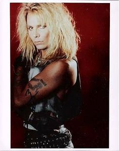 how old is vince neil of motley crue | VINCE NEIL (LEAD SINGER MOTLEY CRUE) Signed 8x10 Color