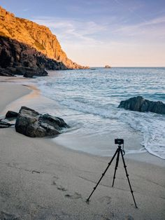 Un-linked tripod set-up on a sandy beach for seascape photography Dslr Photography Tips, Photography Challenge, Photography Tutorials, Digital Photography, Nature Photography, Travel Photography, Beautiful Landscape Photography, Landscape Photos, Amazing Photography