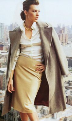 Milla Jovovich in Town & Country - adorable work outfit Office Fashion, Work Fashion, Fashion Beauty, Womens Fashion, Fashion Design, Corporate Fashion, Corporate Style, Beauty Style, Mode Inspiration