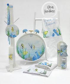 SEA LIFE Κωδικός προϊόντος: A18-062  Βαπτιστικό κουτί ρολόι 149€ Λαμπάδα κηροστάτης 95€ Λαδοσέτ 50€ Λαδόπανο 100€ Ποδιά νονού 50€  #elenamanakou #newcollection #2018 #handpainted #handmade #vaptisi #baptism #christening #woodenbox #box #candle #madeingreece #baby #boy #babyboy #godmother #godfather #special #sea #sealife #ocean #oceanslife #costummade #personalizedbaptism #βάπτιση #κουτί #κουτίβάπτισης #λαμπάδα #νονός #νονά #χειροποίητες_δημιουργίες